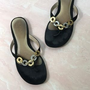UGG Black Suede Chain Link Thong Sandal Sz 9 S/N